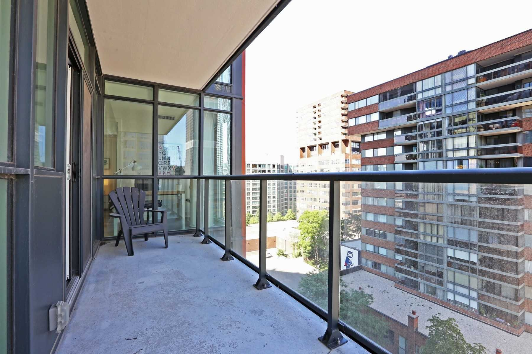 907-32 Davenport Road for lease