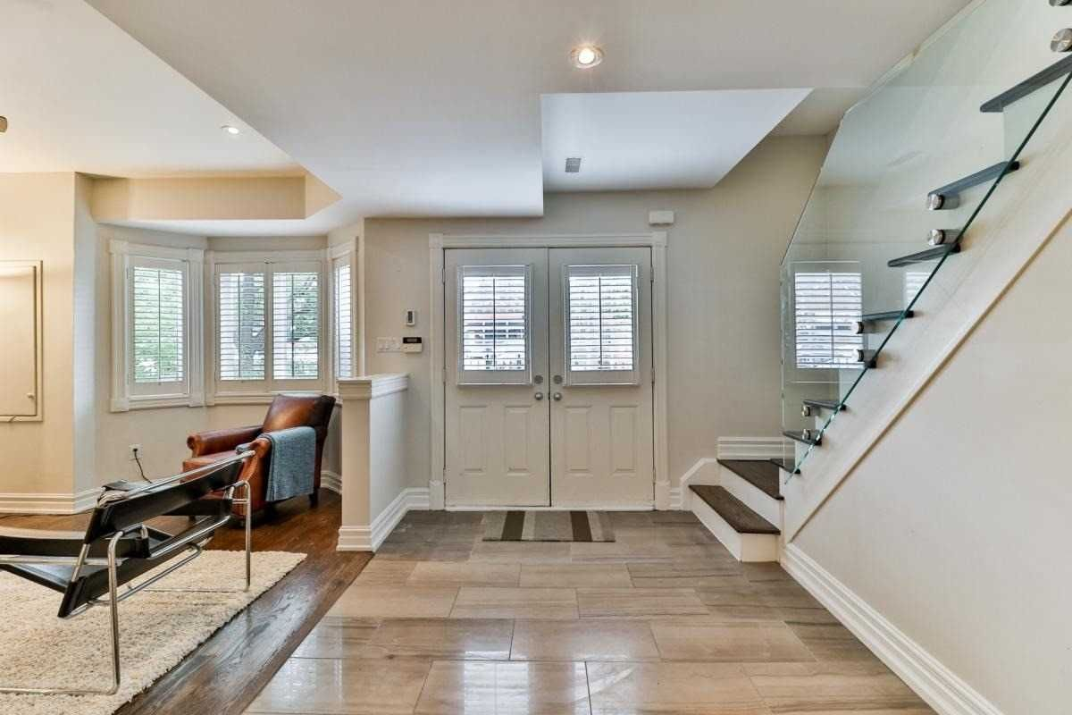 8 D Spadina Road for sale