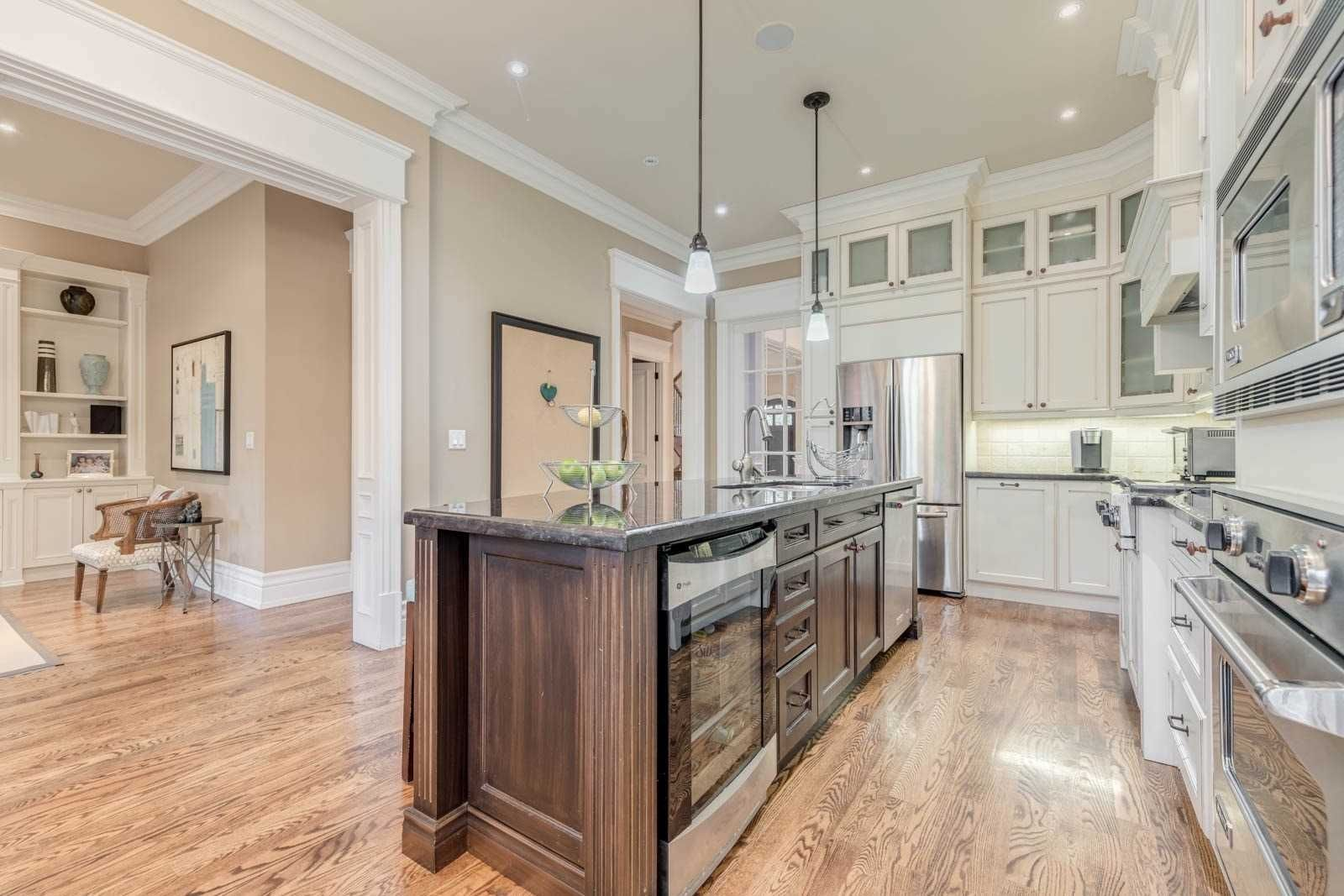 577 Old Orchard Grve for sale