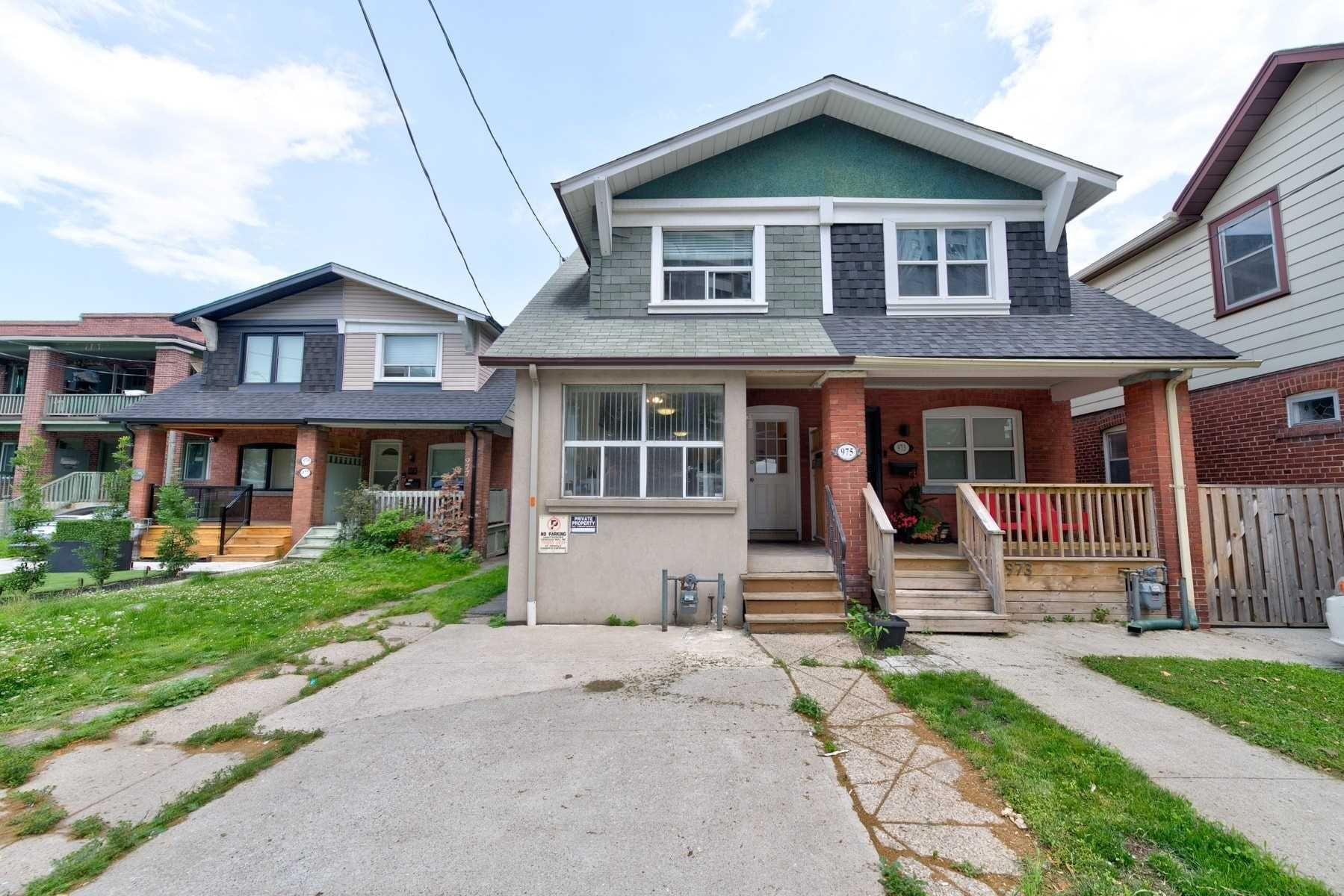 home for sale at 975 Broadview Avenue