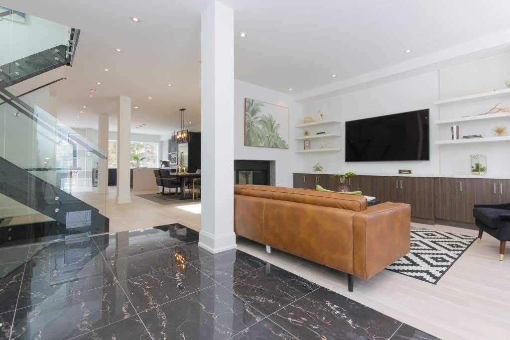 8 Hunt Club Drive for sale