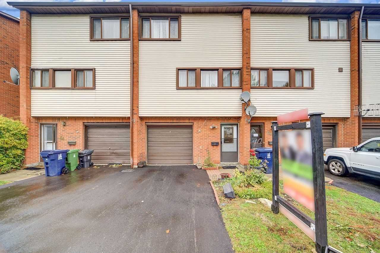 42-30 Wingarden Court for sale