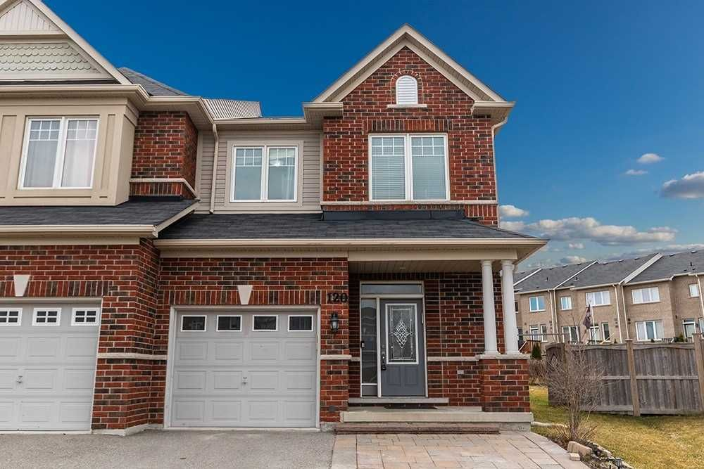 120 Courtland Crescent for sale