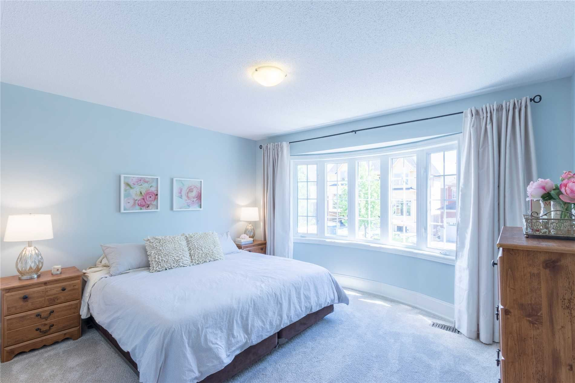8 Ames Crescent for sale
