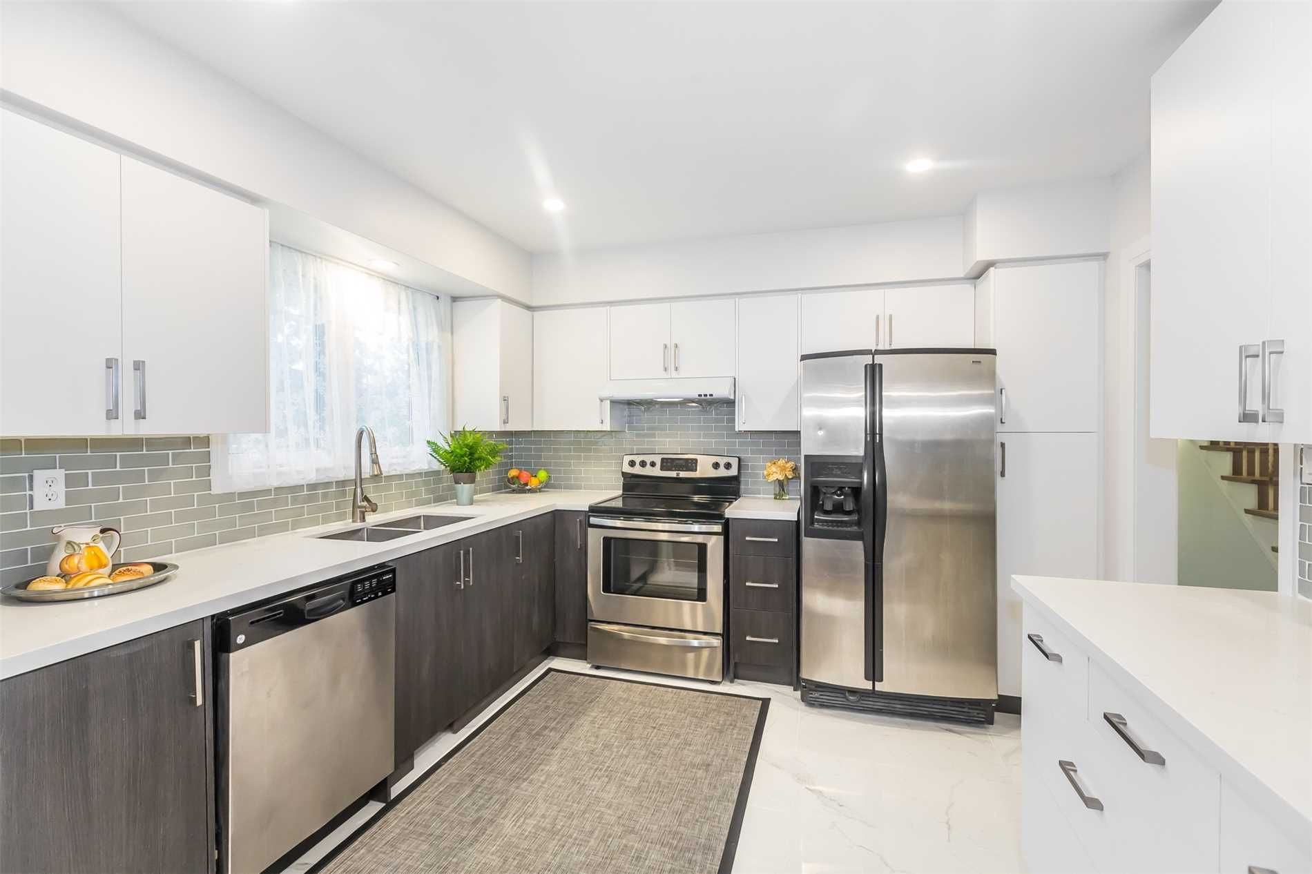 98 Clark Avenue E for sale