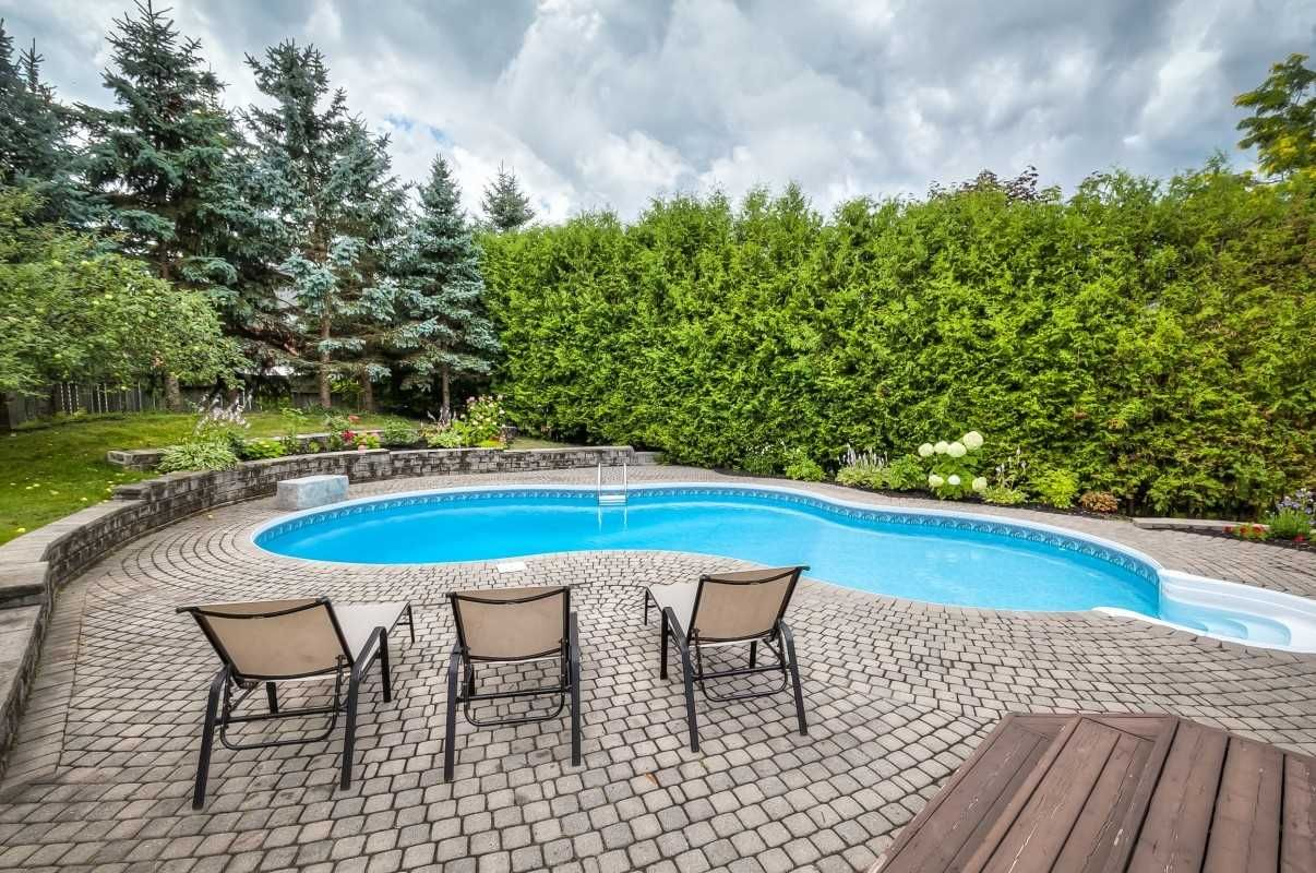 38 Watts Meadow Crescent for sale