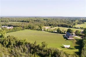 2501 25th Sideroad for sale