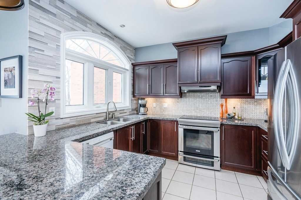 105 Northview Crescent for sale