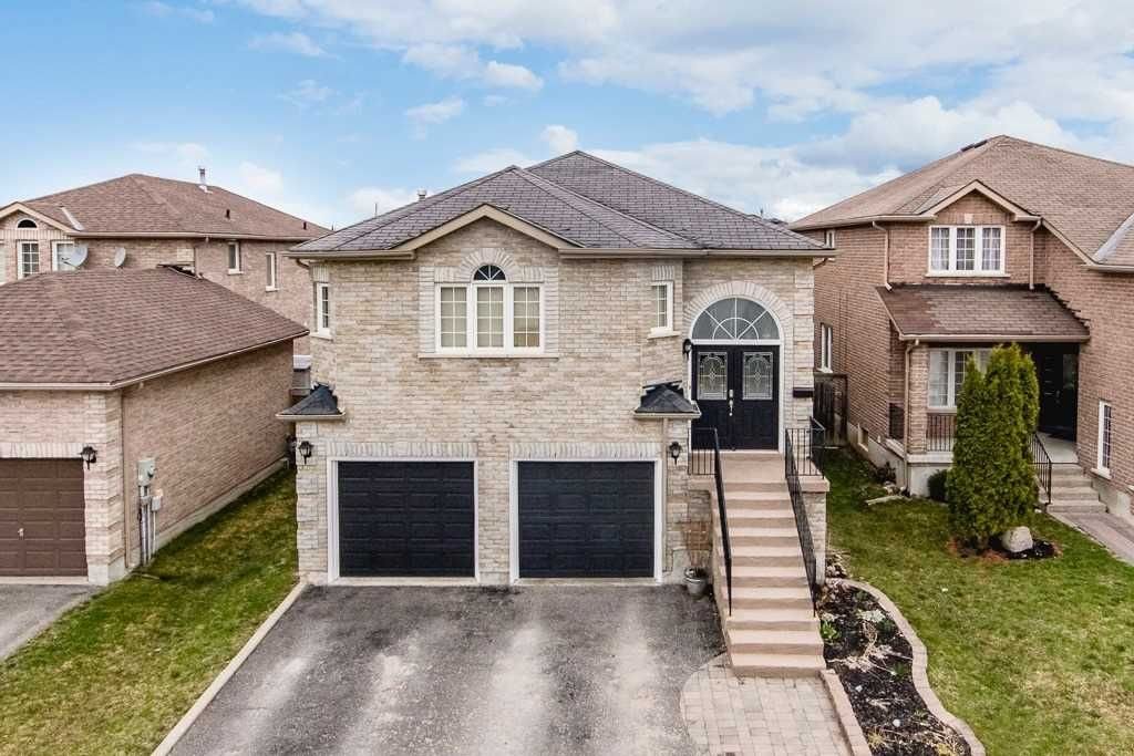 6 Lamont Crescent for sale