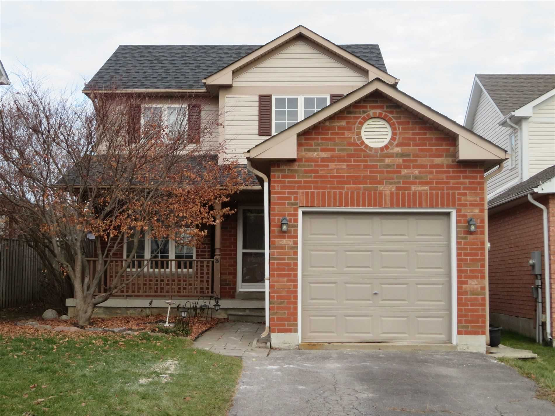 3 Copeman Crescent N for lease