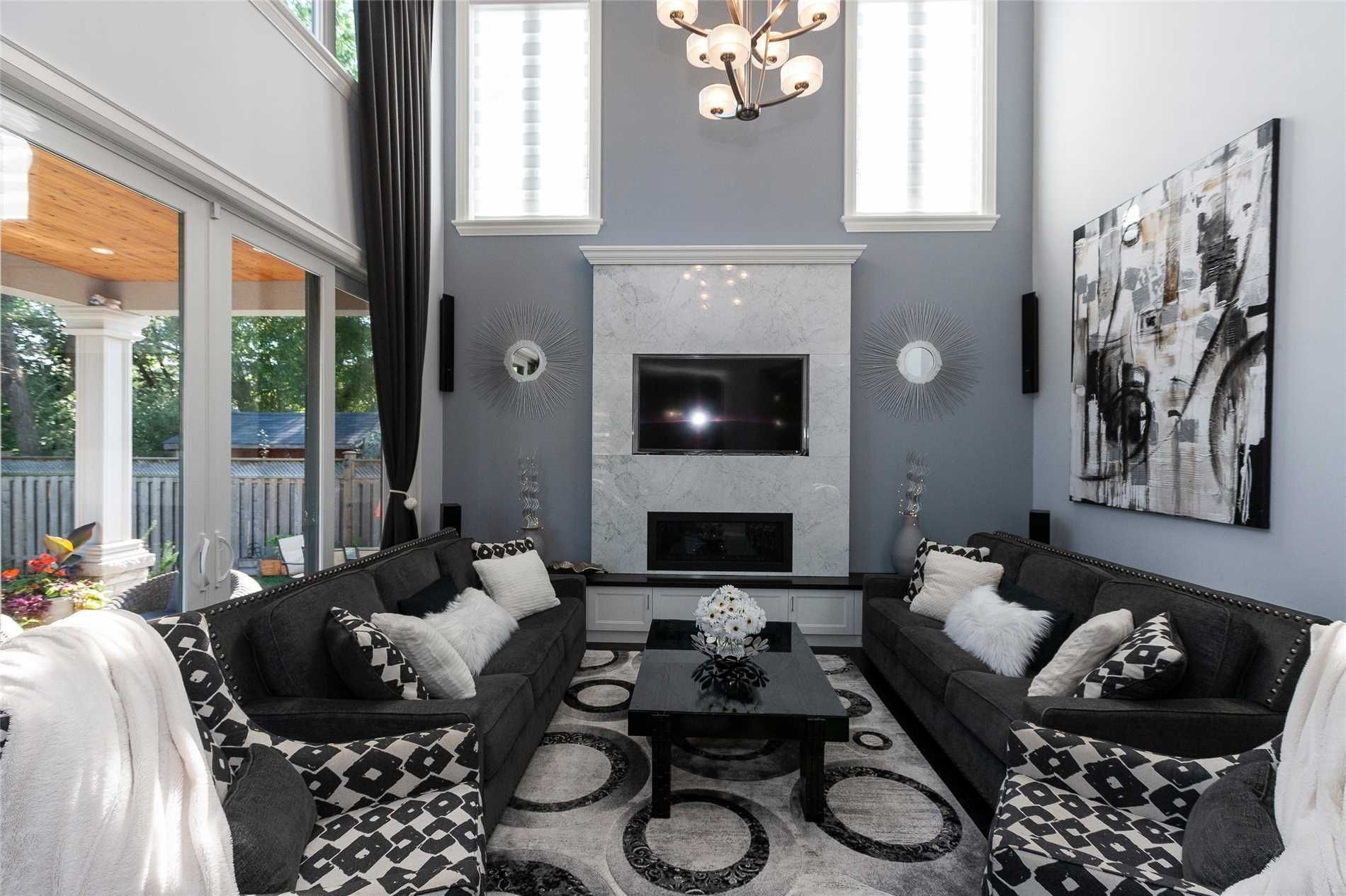 475 Scarsdale Crescent for sale