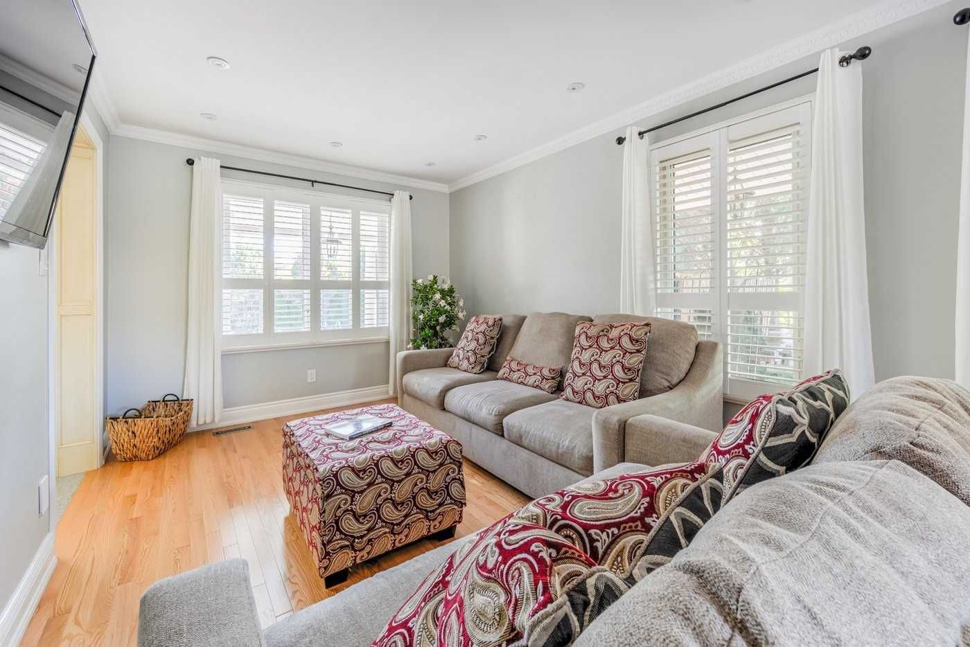 578 Fairview Road W for sale