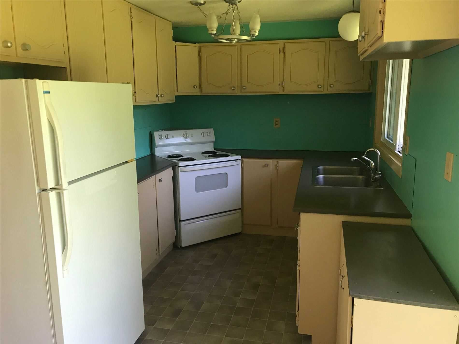 11749 Third Line for lease