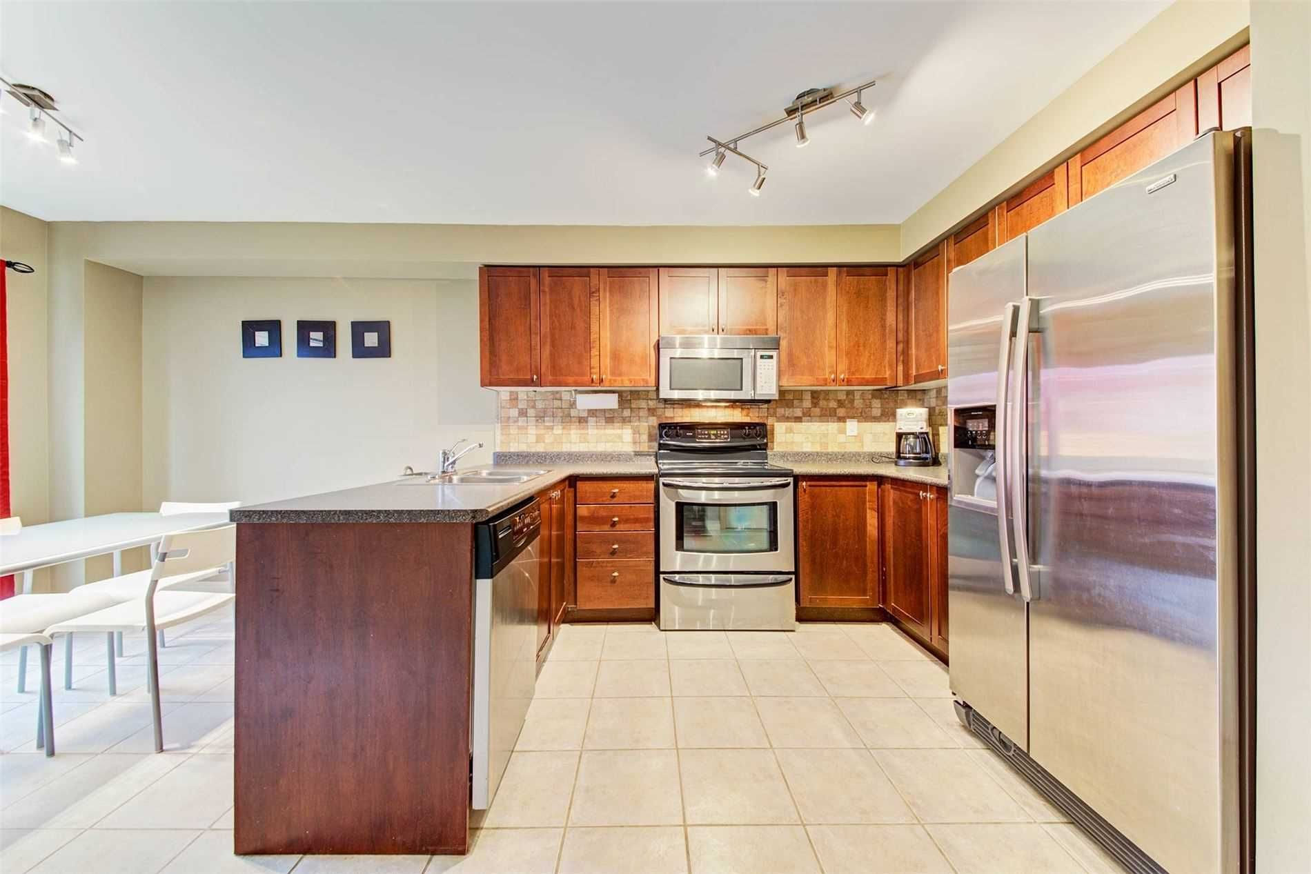 2392 Sequoia Way for lease